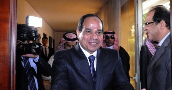 Były dowódca sił zbrojnych Egiptu Abd el-Fatah es-Sisi uzyskał 93,3 proc. głosów w wyborach prezydenckich przeprowadzonych w ubiegłym tygodniu - poinformowała komisja wyborcza. Frekwencja wyniosła około 47 procent.