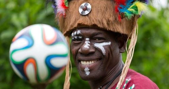 """Najmniej """"afrykańska"""" drużyna ze wszystkich z Czarnego Kontynentu - stawia na futbol siłowy, mało efektowny, ale efektywny. Przed czterema laty ręka Luisa Suareza w ostatniej minucie dogrywki, a później przestrzelone rzuty karne nie pozwoliły jej awansować do najlepszej czwórki świata. Tym razem swoją przygodę z mundialem ma zakończyć już na pierwszej fazie, bo trafiła do grupy śmierci. Ale może czas wreszcie docenić """"Czarne Gwiazdy""""?"""