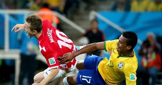 Brazylia wygrała 3:1 mecz z Chorwacją - inauguracyjne spotkanie piłkarskich mistrzostw świata. Na listę strzelców dwukrotnie wpisał się Neymar. Trzecią bramkę dla gospodarzy strzelił Oscar.