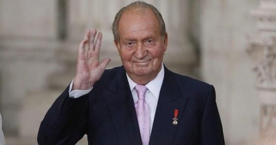 Juan Carlos pożegnał się z koroną, podpisując ustawę umożliwiającą mu abdykację. Od północy królem Hiszpanii będzie już jego syn, Filip VI, który zostanie zaprzysiężony w czwartek.