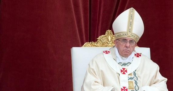 Papież Franciszek zdecydowanie sprzeciwił się legalizacji tzw. miękkich narkotyków. Problemu narkotyków nie da się zwalczyć narkotykami - powiedział papież uczestnikom międzynarodowej konferencji poświęconej zwalczaniu przestępczości narkotykowej.