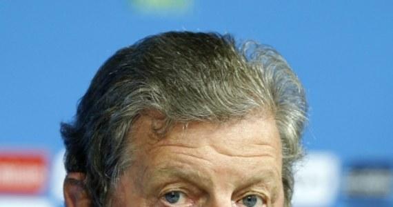 Pomimo dwóch porażek reprezentacji Anglii na piłkarskich mistrzostwach świata, jej selekcjoner Roy Hodgson zachowa stanowisko. Federacja poprosiła go o wypełnienie kontraktu, który obowiązuje do 2016 roku.