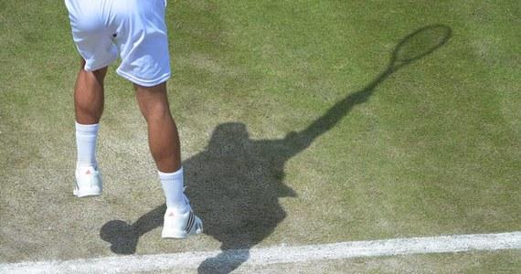 Marcin Matkowski i Kolumbijczyk Juan Sebastian Cabal pokonali brytyjsko-australijski debel Jonathan Marray, John-Patrick Smith 4:6, 7:6 (7-5), 6:4, 6:3 w drugiej rundzie wielkoszlemowego turnieju tenisowego na kortach trawiastych w Wimbledonie.