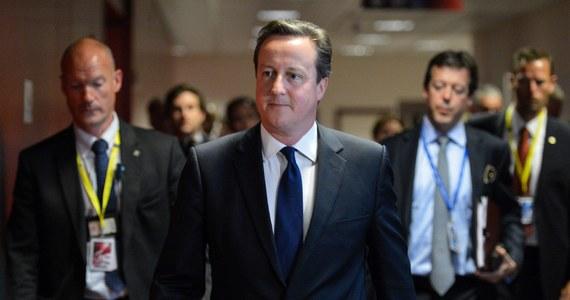 """""""Nie akceptuję tego, co Radek powiedział. Uważam, że trzeba budować swoje sojusze (w UE), aby zapewnić, że możemy próbować wygrać tyle bitew, ile jest możliwe. Mogę się pochwalić paroma sukcesami w tej sprawie"""" - powiedział brytyjski premier. David Cameron skomentował w ten sposób wypowiedź z """"taśm"""" szefa polskiej dyplomacji."""