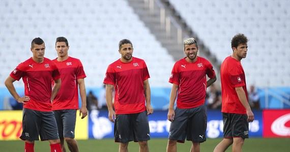 Piłkarze Szwajcarii mogą po raz pierwszy od 60 lat awansować do ćwierćfinału mistrzostw świata. Dziś staną jednak przed trudnym zadaniem, bo ich rywalem w meczu 1/8 finału w Sao Paulo będzie Argentyna, która w Brazylii wygrała dotychczas wszystkie mecze.