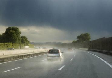 O czym warto pamiętać, jadąc na urlop samochodem