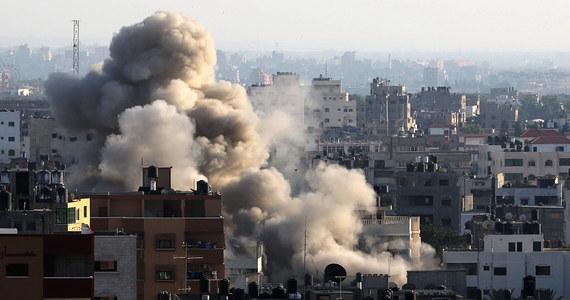 Do 20 wzrosła liczba ofiar izraelskich ataków lotniczych przeciwko bojownikom radykalnego Hamasu - informują źródła palestyńskie. Ubiegła noc była najbardziej tragiczna od rozpoczęcia izraelskich nalotów na Strefę Gazy.