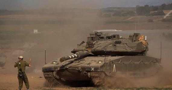 W niedzielę nad ranem oddział sił specjalnych izraelskiej armii wtargnął do północnej części Strefy Gazy aby zniszczyć stanowisko wyrzutni rakiet.  Żołnierze powrócili po wykonaniu zadania na terytorium Izraela -  poinformował izraelski rzecznik wojskowy.
