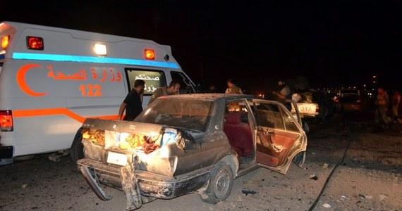 29 osób, w tym 25 kobiet, zostało w sobotę wieczorem zastrzelonych w 2 blokach mieszkalnych we wschodnim Bagdadzie przez niezidentyfikowanych napastników - poinformowała policja. Nie wiadomo jaki był motyw tej zbrodni ani kto jej dokonał.