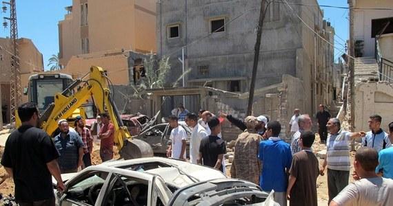 Do zaciętych starć między uzbrojonymi grupami ludzi doszło w niedzielę w pobliżu lotniska w stolicy Libii, Trypolisie - poinformowały światowe agencje, powołując się na źródła na lotnisku i okolicznych mieszkańców.