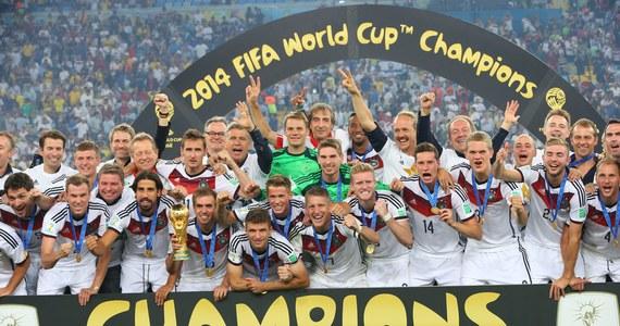 Na legendarnej Maracanie Niemcy wygrali z Argentyńczykami w finale mistrzostw świata. Decydującego gola strzelił w 113. minucie Mario Goetze.