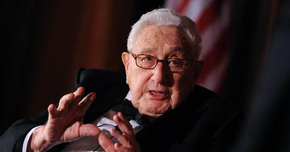 Były sekretarz stanu USA i laureat Pokojowej Nagrody Nobla Henry Kissinger przeszedł w Nowym Jorku operację serca. Jak poinformował rzecznik szpitala, zabieg wymiany zastawki aorty przebiegł pomyślnie. Stan zdrowia Kissingera jest dobry.