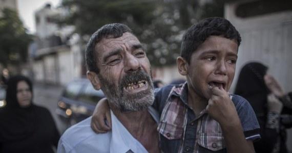 Armia izraelska prowadzi śledztwo w sprawie ostrzału z kanonierki marynarki wojennej, w wyniku którego na plaży w Gazie zginęło czworo palestyńskich dzieci, a pięcioro zostało rannych. Izraelskie wojsko twierdzi, że celem ataku byli terroryści z Hamasu.