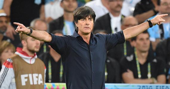 Szef niemieckiej federacji piłkarskiej (DFB) Wolfgang Niersbach nie ma wątpliwości, że Joachim Loew pozostanie trenerem mistrzów świata i poprowadzi ich jesienią w spotkaniach eliminacji Euro 2016, m.in. z Polską.