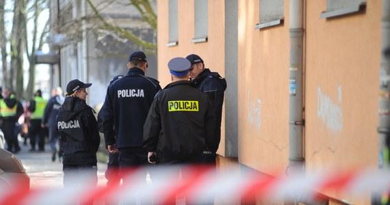 Ponad trzysta fałszywych alarmów i około pół tysiąca osób ewakuowanych w całym kraju – takie są pierwsze, szacunkowe dane dotyczące dzisiejszego ataku na urzędy i instytucje. Od rana docierają tam maile z informacją o podłożonym ładunku. Wszystkie, do tej pory, okazywały się fałszywe. Z całej Polski otrzymywaliśmy również na Gorącą Linię RMF FM sygnały o fałszywych alarmach.