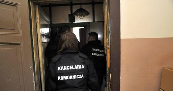 """W 2012 r. średni miesięczny dochód komornika wynosił 46 tys. zł - podaje """"Rzeczpospolita"""". Jedynie w ośmiu spośród 238 rewirów komorniczych nie przekraczał wynagrodzenia sędziego Sądu Najwyższego."""