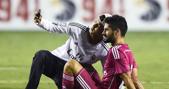 """Real Madryt zarobi kilka milionów euro na meczach sparingowych przed nowym sezonem ligi hiszpańskiej. Najwięcej, około 7 milionów euro, wpłynie do klubowej kasy po rozpoczętym przez """"Królewskich"""" pod koniec lipca tournee po Stanach Zjednoczonych. Dodatkowy zysk przyniesie klubowi z Santiago Bernabeu sprzedaż koszulek z nazwiskami największych gwiazd zespołu."""