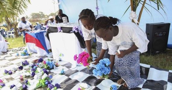 Epidemia wirusa Ebola w Afryce Zachodniej spowodowała do tej pory śmierć 932 osób - wynika z najnowszego bilansu Światowej Organizacji Zdrowia. Poprzednie dane mówiły o 887 ofiarach.