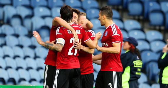 Legia Warszawa wygrała z Celtikiem Glasgow 2:0 i awansowała do 4. rundy eliminacji Ligi Mistrzów. Strzelcami bramek byli Michał Żyro i Michał Kucharczyk.