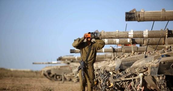 Izraelski system obrony przeciwrakietowej Żelazna Kopuła przechwycił nad miastem Aszkelon na południu kraju palestyński pocisk rakietowy - poinformowało wojsko i lokalne władze. Ostrzał ze Strefy Gazy nastąpił tuż po zakończeniu trzydniowego zawieszenia broni.