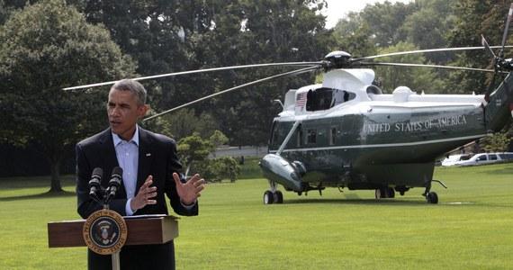 Amerykańskie bombardowania zniszczyły uzbrojenie i wyposażenie dżihadystów z Państwa Islamskiego w północnym Iraku - powiedział prezydent USA Barack Obama. Amerykański przywódca odmówił jednak podania harmonogramu dalszych nalotów na pozycje islamistów.