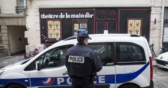Kontrowersje wokół sposobu funkcjonowania elektronicznego nadzoru więźniów we Francji! Przestępca, który odbywał karę pozbawienia wolności poza zakładem karnym – z elektroniczną bransoletką na nodze – podejrzany jest o dokonanie 16 napadów z bronią w ręku.