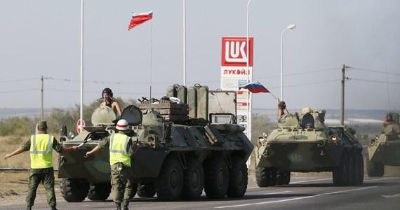 """Rosyjski minister obrony Siergiej Szojgu """"zagwarantował"""" w rozmowie z ministrem obrony USA Chuckiem Hagelem, że w zmierzającym na wschodnią Ukrainę konwoju ciężarówek z pomocą humanitarną nie ma żadnych rosyjskich żołnierzy. Informację przekazał Pentagon."""