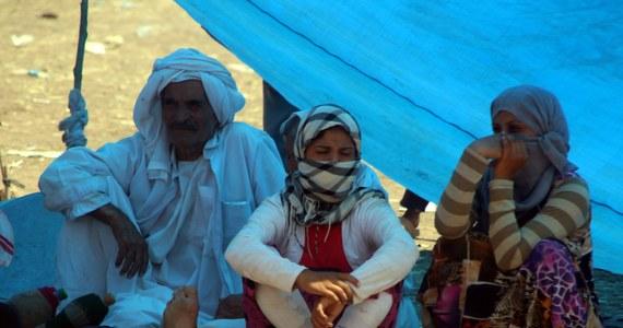 Bojownicy w północnym Iraku zmasakrowali co najmniej 80 Jazydów - donosi BBC. Uprowadzone miały zostać również kobiety i dzieci.