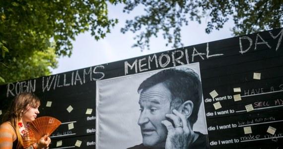 """Radykalny amerykański Kościół Baptystyczny Westboro zapowiada pikietę podczas pogrzebu Robina Williamsa. Powodem protestu ma być m.in. fakt, że aktor zagrał geja w komedii """"Klatka dla ptaków""""."""