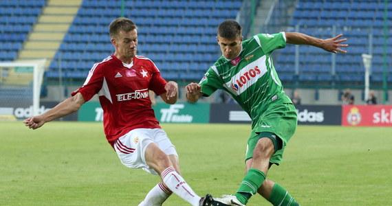 Piłkarze Wisły Kraków pokonali na swoim stadionie Lechię Gdańsk 3:1 i jak na razie pozostają bez porażki w rozgrywkach Ekstraklasy. Niepokonana Wisła z dziewięcioma punktami zajmuje w tabeli piąte miejsce. Lechia jest ósma.