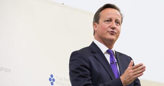 Brytyjski premier David Cameron oświadczył, że jest głęboko wstrząśnięty tym, iż  obywatel brytyjski wydaje się być zamieszany w zamordowanie amerykańskiego dziennikarza Jamesa Foleya przez islamistów. Dodał, że tożsamość dżihadysty wciąż nie została ustalona.