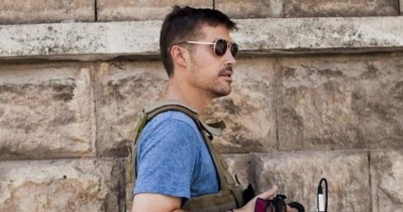 """Dżihadyści z Państwa Islamskiego, którzy porwali i zamordowali amerykańskiego dziennikarza Jamesa Foleya, chcieli dostać za uwolnienie go 100 milionów euro okupu – piszą amerykańskie media. Według """"New York Timesa"""", władze USA nie zgodziły się na przekazanie pieniędzy."""