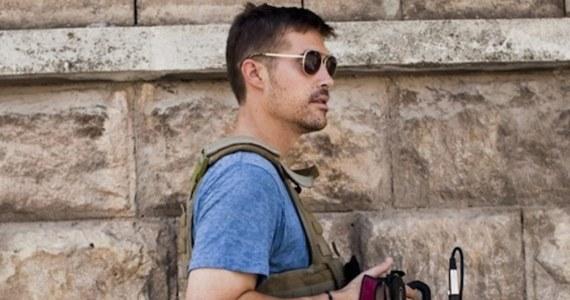 We francuskim senacie powołana została nadzwyczajna komisja śledcza w sprawie Francuzów walczących w szeregach Państwa Islamskiego w Syrii i Iraku. Według paryskich dziennikarzy, którzy przetrzymywani byli w Syrii z zamordowanym amerykańskim reporterem Jamesem Foleyem, część terrorystów mówiła płynnie po francusku.