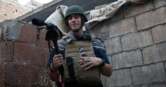 """Rada Bezpieczeństwa ONZ potępiła """"tchórzliwe i pełne nienawiści"""" morderstwo amerykańskiego dziennikarza Jamesa Foleya przez sunnickich dżihadystów z Państwa Islamskiego. Zażądała też zwolnienia wszystkich przetrzymywanych zakładników."""