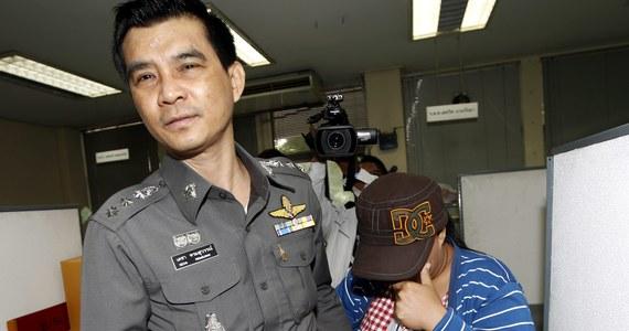 Tajlandzka policja przesłuchała pięć kobiet, które zostały matkami zastępczymi dla dzieci 24-letniego Japończyka Shigeta Mitsutoki, znanego pod pseudonimem ,,Jack''. Kobiety dostawały za urodzenie dziecka nawet 12 500 dolarów. Mężczyzna przyznał, że chciał zostać ojcem dla od stu do tysiąca dzieci.