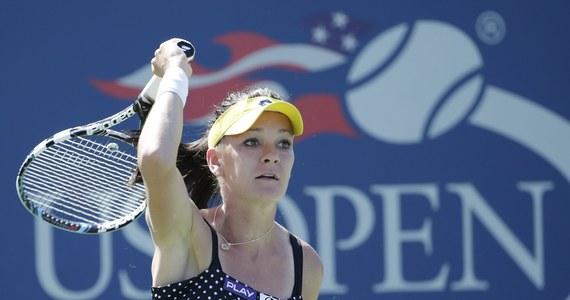 Rozstawiona z numerem czwartym Agnieszka Radwańska o godz. 17 zagra z Chinką Shuai Peng w drugiej rundzie wielkoszlemowego turnieju tenisowego US Open. Wieczorem występ w nowojorskiej imprezie zainauguruje Jerzy Janowicz, jedyny Polak w gronie singlistów.