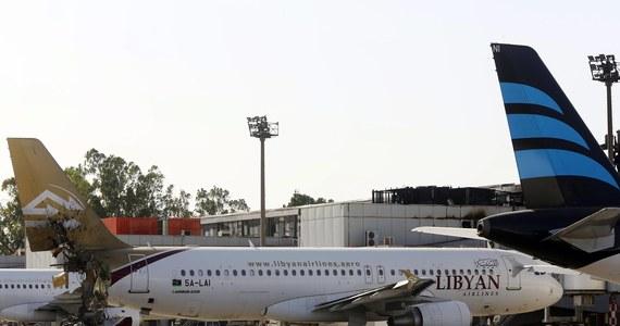 """Libijscy islamiści przechwycili na zdobytym w sierpniu lotnisku w Trypolisie 11 pasażerskich odrzutowców i do tej pory nie wiadomo, co się z nimi stało - pisze konserwatywny portal """"The Washington Free Beacon"""". Zajmujący się tematyką bezpieczeństwa dziennikarz, Bill Gertz twierdzi, że agencje wywiadowcze krajów zachodnich rozesłały ostrzeżenia, że samoloty mogą być wykorzystane do ataków terrorystycznych, podobnych do tych z 11 września 2001 roku."""