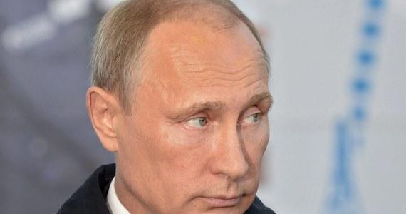 Czechy rozważają wyłączenie się z nowych sankcji unijnych przeciw Rosji. Szczególnie chodzi o regulacje dotyczące tzw. produktów podwójnego wykorzystania. Czeski rząd poparł premiera Bohuslava Sobotkę w tej sprawie.