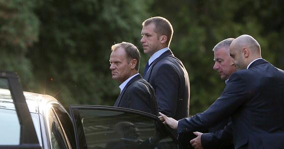 Kiedy Donald Tusk zostanie już szefem Rady Europejskiej podczas pobytów w Polsce będzie korzystał z ochrony BOR na prawach głowy państwa. Za bezpieczeństwo przewodniczącego RE w Brukseli odpowiadają tamtejsze służby ochrony. Każdy pobyt Tuska w kraju będzie wymagał ochrony przyznawanej przez szefa MSW.