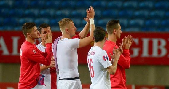 Polscy piłkarze pokonali Gibraltar 7:0 w swoim pierwszym meczu eliminacji do Euro 2016. Cztery bramki zdobył Robert Lewandowski, dwie Kamil Grosicki, a jedną Łukasz Szukała.