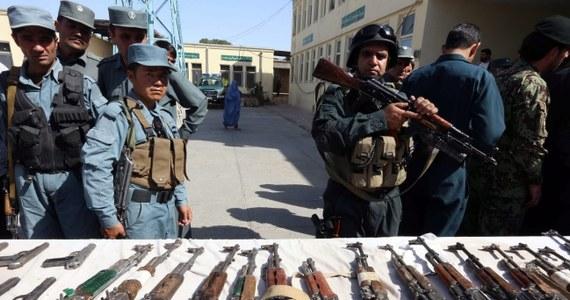 Polska ambasada w stolicy Afganistanu Kabulu zostanie zamknięta pod koniec roku - poinformował rzecznik MSZ Marcin Wojciechowski. Placówka w Kabulu to kolejna po Bagdadzie placówka, która w najbliższym czasie zostanie zamknięta lub zawieszona.