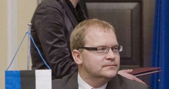 Minister Spraw Zagranicznych Estonii Urmas Paet zażądał od władz w Moskwie natychmiastowego wypuszczenia funkcjonariusza estońskiej służby bezpieczeństwa Estona Kohvera na wolność oraz umożliwienia mu powrotu do domu. Eston Kohver został uprowadzony do Rosji 5 września i jest w oskarżony o szpiegostwo.