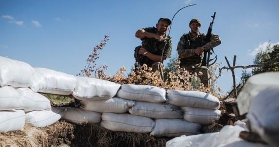 """""""Waszyngton już niejednokrotnie dowiódł, że jego celem jest maksymalne zaostrzenie tego kryzysu, aby wykorzystać Ukrainę jako narzędzie w kolejnej próbie odizolowania i osłabienia Rosji"""" – ocenił minister spraw zagranicznych Rosji Siergiej Ławrow komentując sytuację na Ukrainie.  Podkreślił, że """"ukraińscy radykałowie i ekstremiści, w tym radykałowie w strukturach władz, praktycznie na wszystko, co robią, otrzymują carte blanche z USA""""."""