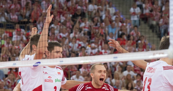 Polscy siatkarze wygrali z Francją 3:2 w ostatnim meczu drugiej rundy mistrzostw świata. Tym samym zajęli drugie miejsce w grupie E. W trzeciej rundzie turnieju biało-czerwoni zagrają z urzędującymi mistrzami - Brazylią i mistrzami olimpijskimi - Rosją.
