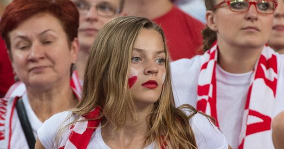 """Kapitan siatkarskiej reprezentacji Niemiec Jochen Schoeps jest pod wielkim wrażeniem kibiców na mistrzostwach świata. """"Nie oczekuję jednak, że 12,5 tysiąca fanów będzie nas dopingować"""" - powiedział z uśmiechem przed półfinałem z Polską w Spodku."""