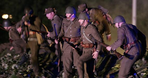 W ostatnim czasie uczestniczyłem w wielu uroczystościach upamiętniających 75. rocznicę agresji Niemiec i Związku Sowieckiego na Polskę. W czasie okolicznościowych apeli jednym tchem wymieniano najważniejsze starcia Wojska Polskiego z niemieckim Wehrmachtem, w tym bitwy nad Bzurą i pod Kockiem oraz obrony Westerplatte, Helu, Wizny, Modlina i Warszawy. Wymieniano także starcia z Armią Czerwoną, w tym szczególnie obronę Grodna oraz bitwy na Lubelszczyźnie i Wołyniu. Jednak tylko w czasie jednego z tych apeli wymieniona została obrona Lwowa.