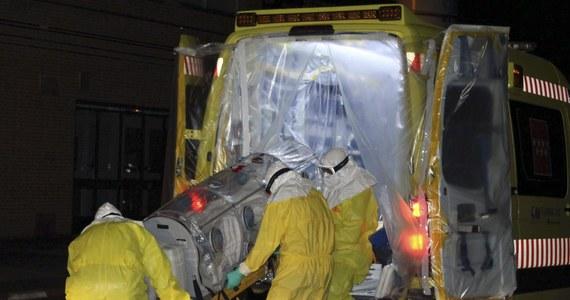 Niemiecka minister obrony Ursula von der Leyen zaapelowała do żołnierzy i cywilnych pracowników Bundeswehry, aby zgłaszali się na ochotnika do udziału w walce z epidemią eboli w Afryce Zachodniej. Wcześniej rząd przeznaczył 17 mln euro na pomoc.