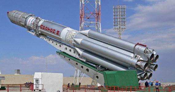 Sukcesem zakończyło się wystrzelenie przez Rosjan rakiety Proton-M z kosmodromu Bajkonur. Wyniosła ona na orbitę okołoziemską rosyjskiego satelitę telekomunikacyjnego - twierdzi agencja kosmiczna Roskosmos.