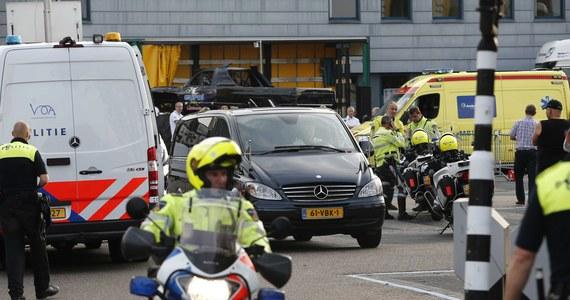Tzw. monster truck (półciężarówka na gigantycznych oponach) wjechał w grupę widzów podczas pokazów w Holandii. Zabił dwie osoby, w tym dziecko, zranił co najmniej 18 - poinformowały władze miasta Haaksbergen, gdzie doszło do wypadku.