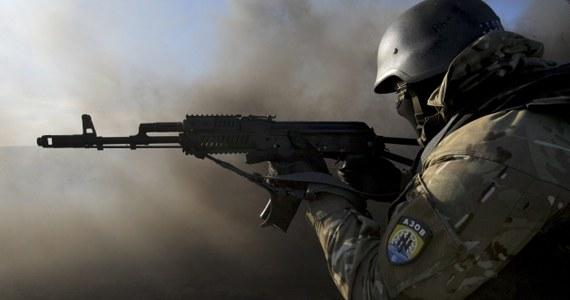 Prorosyjscy bojownicy szturmują od rana lotnisko w Doniecku, którego od miesięcy bronią znajdujące się tam nieliczne oddziały wojsk ukraińskich. Informację przekazało biuro prasowe operacji antyterrorystycznej w Kijowie.
